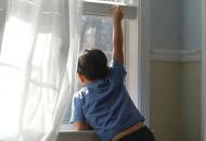 дети-выпали-из-окна
