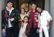 Виктория Бэкхем с детьми