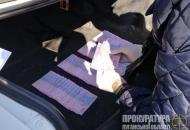 """На Луганщине будут судить двух полицейских, которые собирали """"дань"""" с перевозчиков"""