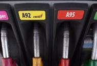 На украинских АЗС выросла стоимость бензина и дизельного топлива