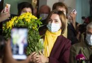 Зеленский поздравил Майю Санду с победой на выборах