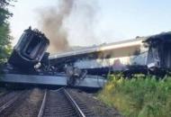 В Шотландии потерпел крушение пассажирскийпоезд