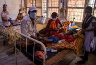 В Индии более 300 человек заразилось неизвестной болезнью