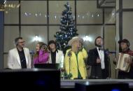 Сюрприз к Рождеству: украинские звезды исполнили известную колядку