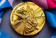 Олимпийской чемпионке заменят золотую медаль