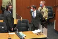 Смерть Джорджа Флойда: присяжные признали полицейского виновнымс