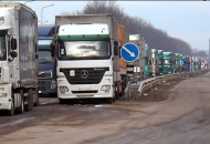 В Украине планируют сделать платными дороги для грузовиков