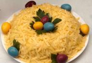 Праздничный салат «Пасхальное гнездышко»