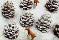 Новогодний десерт «Сосновая шишка в снегу»