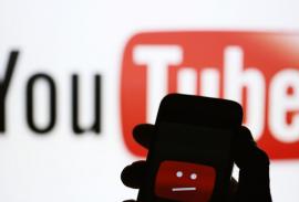 "YouTube заблокировал ""телеканалы Медведчука"""