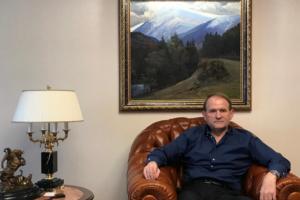 Виктор Медведчук, фото во время интервью для Reuters