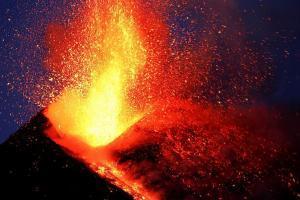 Сицилия, извержение вулкана