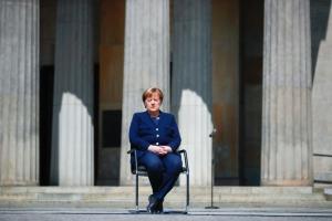 Меркель отказалась ехать на саммит G7