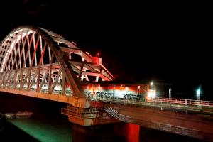 Керченский мост, поезд