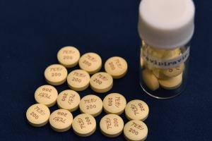В Рубежном создалигенерик японского препарата, который используют при леченииCOVID-19