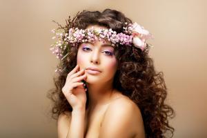Дополнительный уход за волосами весной