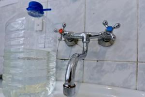 в-лисичанске-нет-воды
