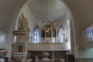 церков