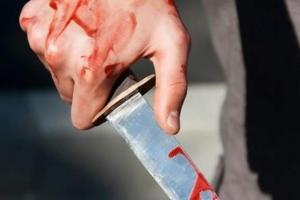 Резня в Северодонецке: патрульные спасали жизнь раненому ножом мужчине