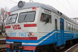 На Донбассе возобновляют курсирование пригородные поезда