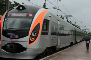 """""""Укрзализныця"""" назначила новый скоростной поезд Интерсити+"""