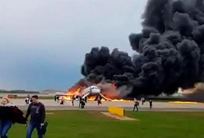 шереметьево-сгорел-самолет