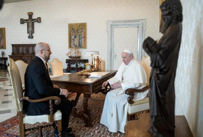 шмыгаль и папа римский