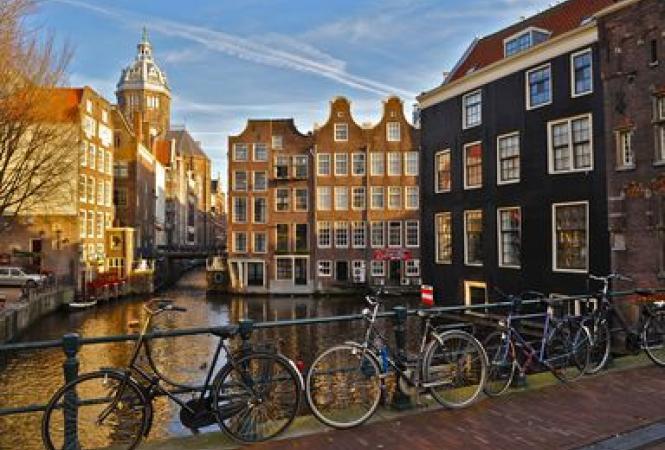 Амстердам, туристы, налоги