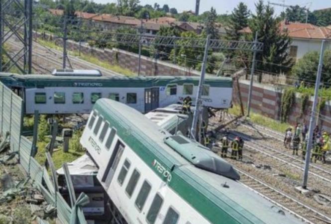 В Италии сошел с рельсов пассажирский поезд: есть пострадавшие