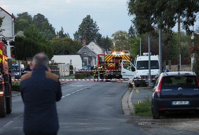 Во Франции столкнулись и упали два самолета: погибли 5 человек