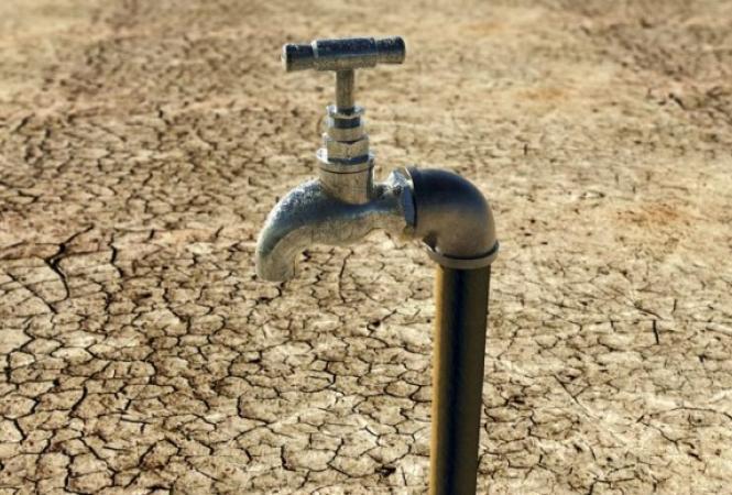 На юге Крыма сократят подачу водыв дома