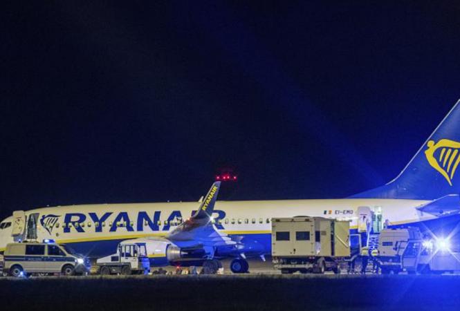 Самолет Ryanair совершил экстренную посадку в Берлине