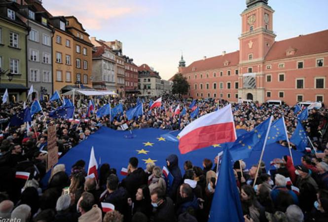 """Акция """"Остаюсь в ЕС"""" в Варшаве"""