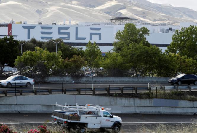 В Калифорнии произошел пожарна заводе Tesla