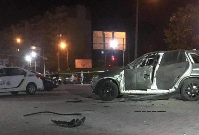 В Ивано-Франковске BMW Х5 обстрелялииз ручного противотанкового гранатомета