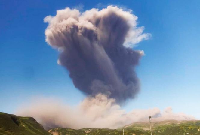 извержение вулкана Эбеко