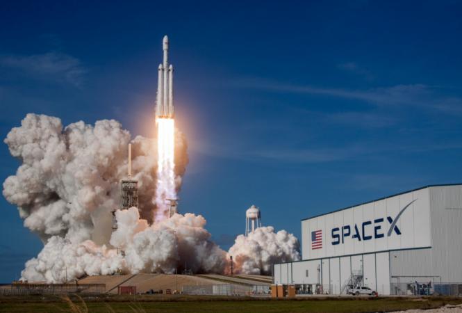 SpaceX запустила космический корабль