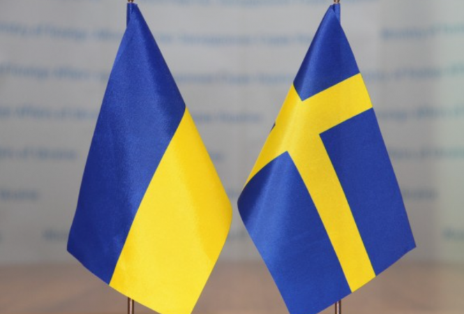 Премьер Украины отправился с визитом в Швецию