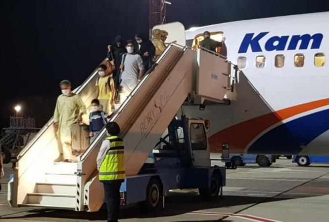 В Киеве приземлился самолет из Афганистана